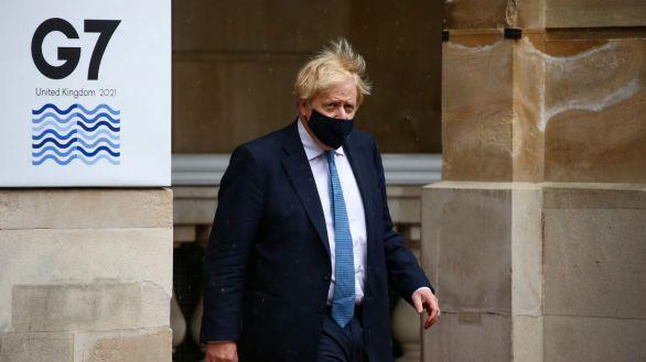 Johnson convoca a Sturgeon tras su victoria para abordar el futuro político del país