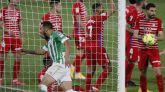 El Betis destierra al Granada y acelera | 2-1