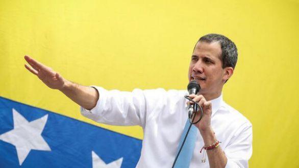 Guaidó se abre a negociar con Maduro