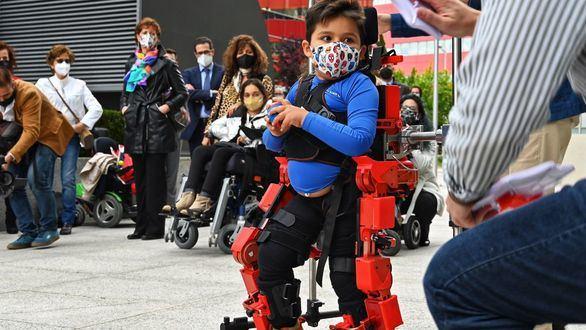 Así es el primer exoesqueleto pediátrico del mundo diseñado por una española