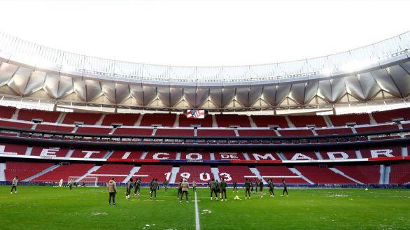 El público podrá volver a los estadios de fútbol en territorios en riesgo bajo