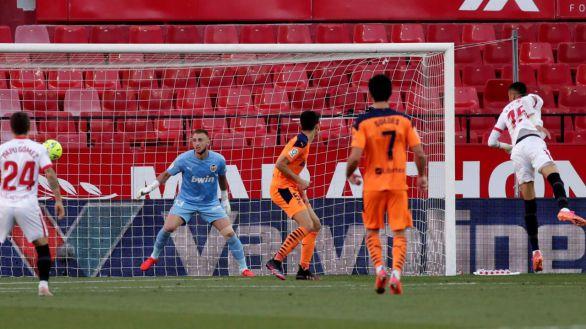 En-Nesyri aferra al Sevilla a sus opciones de título | 1-0