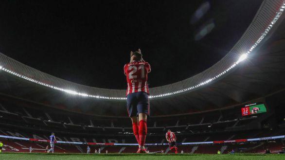 Brota el mejor Atlético y la polémica para tumbar a la Real y reclamar LaLiga | 2-1