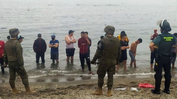 Sindicatos de la Policía y Guardia Civil critican la 'dejadez' de Interior ante la crisis de Ceuta