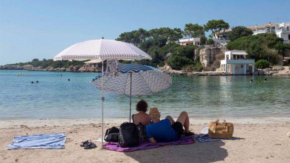Los turistas españoles vacunados no necesitarán una PCR negativa para viajar a Baleares