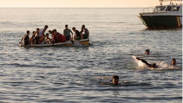 Las fuerzas de seguridad repelen un nuevo intento de entrada de inmigrantes