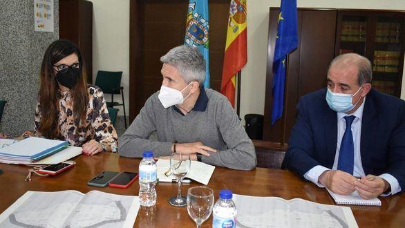 Interior refuerza la valla de Melilla con 40 guardias civiles y 50 policías más