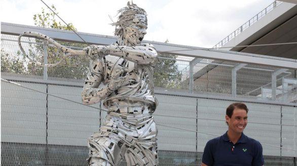 800 kilos de acero inmortalizan a Nadal en Roland Garros