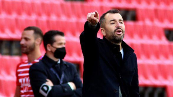 Sigue el baile de entrenadores: Diego Martínez deja el Granada