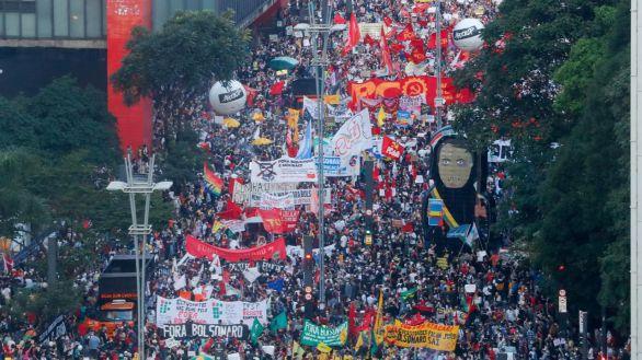 Brasil se levanta contra Bolsonaro en multitudinarias marchas en 200 ciudades