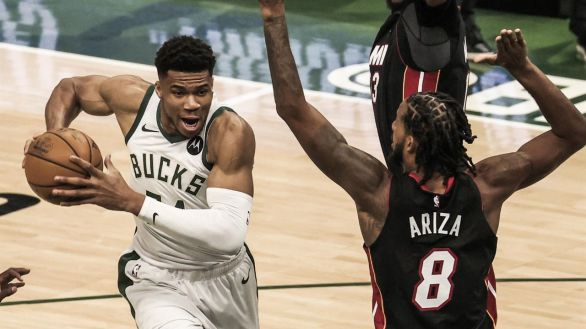 NBA Playoffs. Los Bucks y un Antetokounmpo colosal barren a los Heat