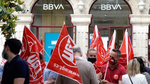 BBVA acuerda finalmente la salida de 2.935 empleados