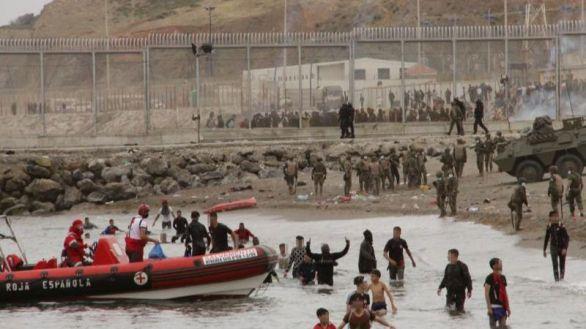 Ceuta teme una nueva ola de coronavirus tras la llegada masiva de migrantes