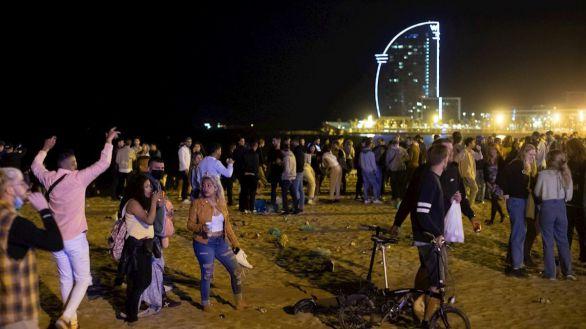 Más de 6.500 personas desalojadas en una nueva noche de botellones en Barcelona
