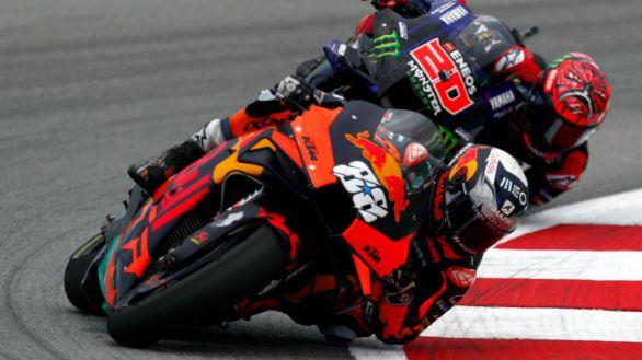 Moto GP. Oliveira triunfa en el caos de Montmeló