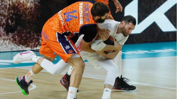 Playoff ACB. El Real Madrid olvida lesiones y golpea al Valencia |81-70