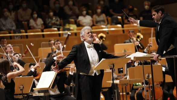 Más de ocho minutos de aplausos a Plácido Domingo en su regreso a Madrid
