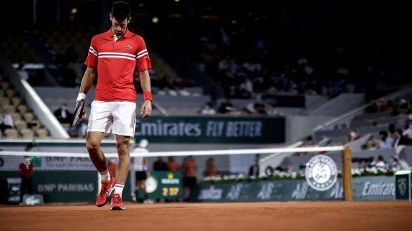 Roland Garros. Djokovic pierde los nervios pero se cita con Nadal en semifinales