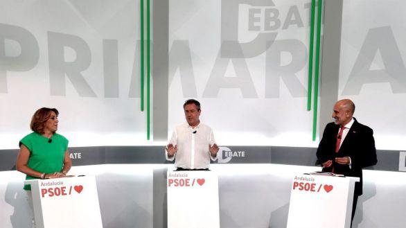 Los candidatos a las primarias del PSOE andaluz, durante el debate celebrado el pasado martes.