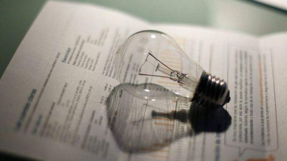 La luz alcanza este martes los 90,95 euros/MWh, el segundo precio más alto del año