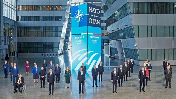 La OTAN acuerda plantar cara a los