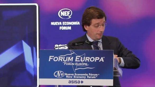 Almeida se burla del paseíllo de Sánchez con Biden