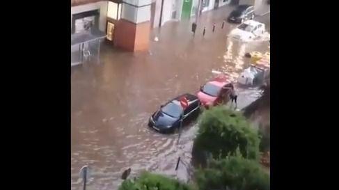 Inundaciones y cortes de tráfico en Madrid por la tormenta de granizo, que se repite hoy
