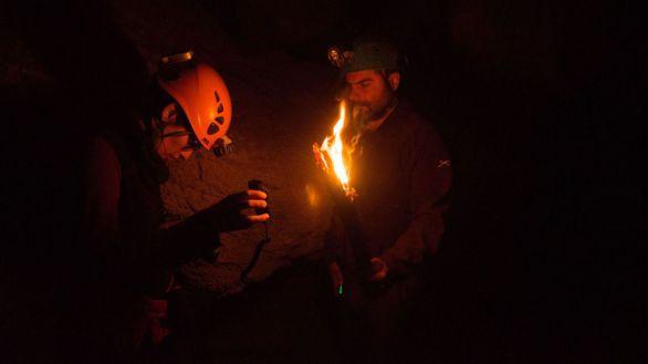 Investigadores recrean la iluminación original de las cuevas prehistóricas