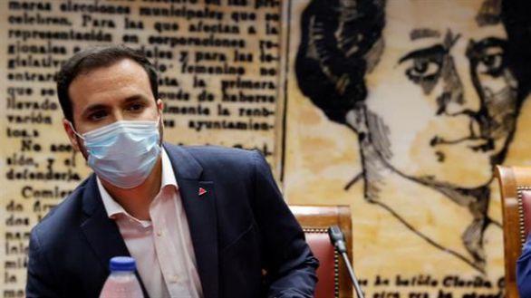 Garzón anuncia que el Gobierno estudia una reducción del IVA de la luz del 21 al 10%