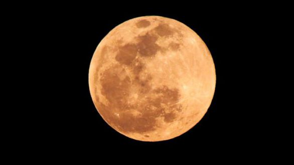 Júpiter, Saturno y la Luna llena saludan al verano que comienza este lunes
