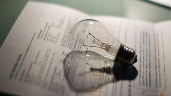 El IVA de la luz bajará del 21 al 10% tras la factura eléctrica más cara de la historia