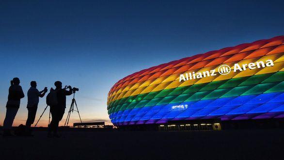 La UEFA rechaza iluminar el estadio de Múnich con la bandera LGTBI