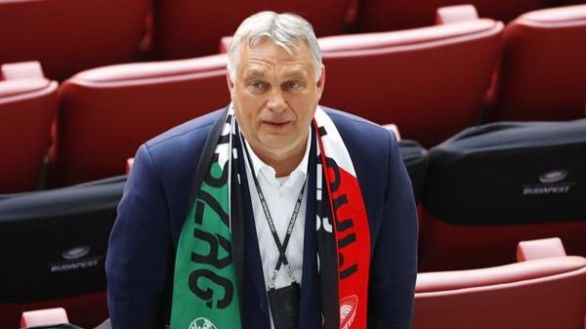 La UE enseña la puerta de salida a Hungría