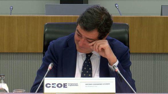 Garamendi rompe a llorar ante la junta directiva de la CEOE tras sus palabras sobre los indultos