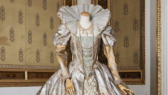 La ópera de Viena subasta parte de su colección de vestidos