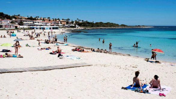 Las reservas a Baleares aumentan un 3.000% tras el anuncio de Reino Unido