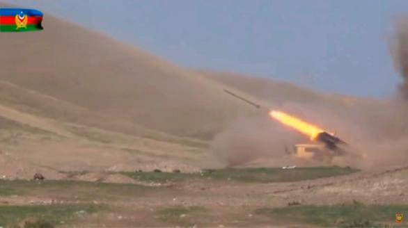 Se recrudecen los combates entre armenios y azeríes por el control de Nagorno Karabaj