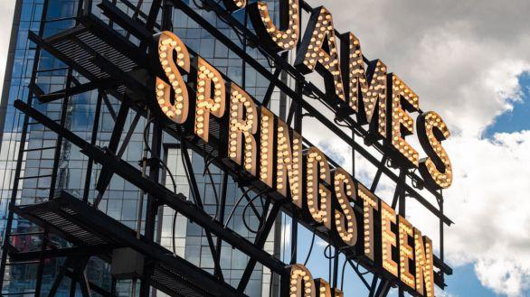 Bruce Springsteen, punta de lanza del retorno de las luces a Broadway