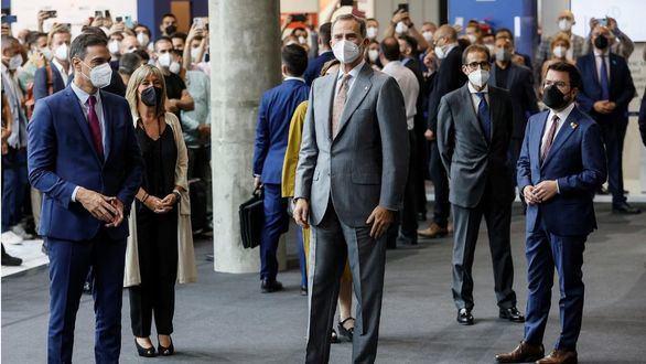 El Rey y Aragonés abren el Mobile World Congress con foto juntos, pero sin recorrer la feria