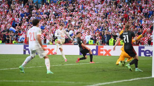 España, clasificada tras un vibrante partido ante Croacia   3-5