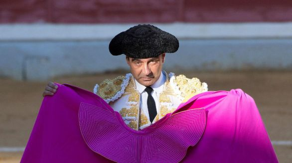 Enrique Ponce anuncia su retirada del toreo por sorpresa y por tiempo indefinido