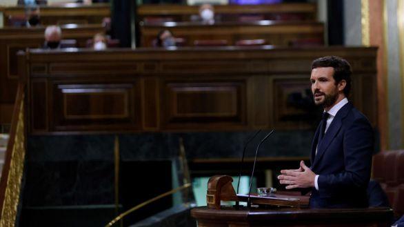 Casado, a Sánchez por el referéndum: