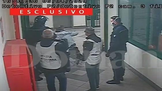 Escándalo en Italia por la difusión de un vídeo de malos tratos policiales a presos