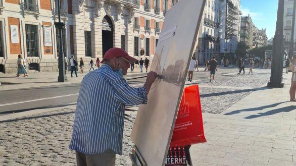 Madrid, de enhorabuena: Antonio López vuelve a pintar en la Puerta del Sol