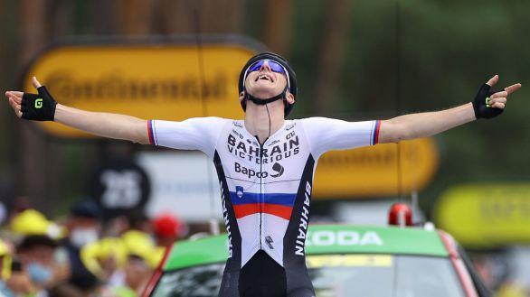 Tour de Francia. Mohoric culmina la primera fuga y Van der Poel se asienta