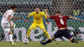 Dinamarca arrasa y resiste ante la República Checa | 1-2