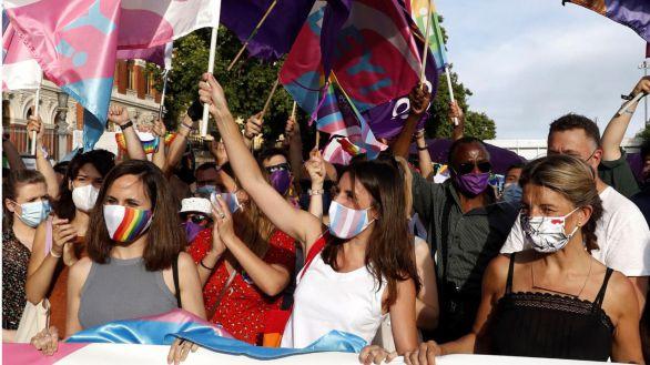 Una marcha del Orgullo 2021 reducida por la pandemia reivindica la ley trans
