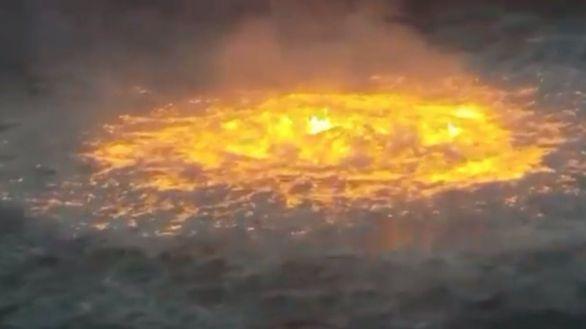 El espectacular incendio en el Golfo de México pone en duda el modelo de Pemex