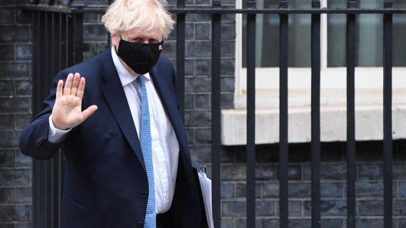 Johnson levantará las restricciones en Inglaterra el 19 de julio