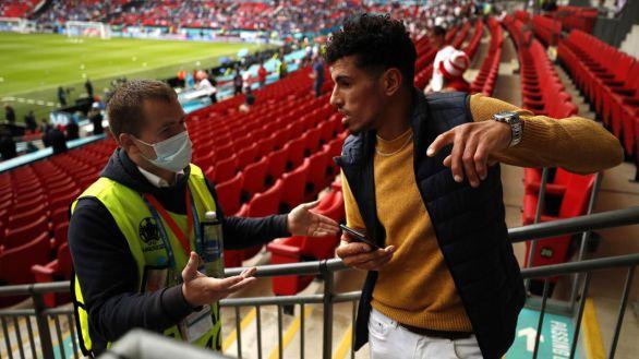 Aficionados sin entrada asaltaron Wembley y lograron ver la final